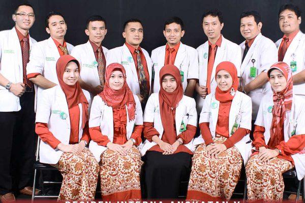residen-angkatan-ke-10-ppds-interna-solo-universitas-negeri-solo-surakarta-website-resmi-2014-2015-support-design-develop-by-duaide