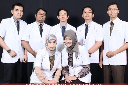 residen-angkatan-ke-12-ppds-interna-solo-universitas-negeri-solo-surakarta-website-resmi-2014-2015-support-design-develop-by-duaide